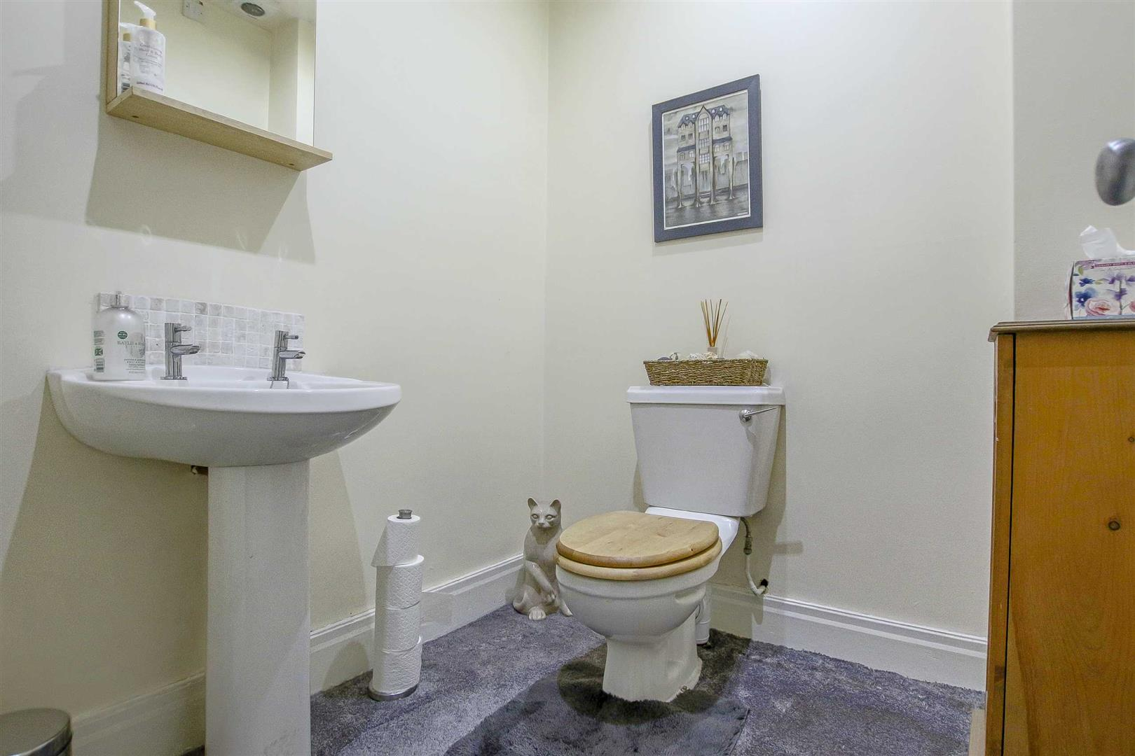 5 Bedroom Detached House For Sale - Image 58